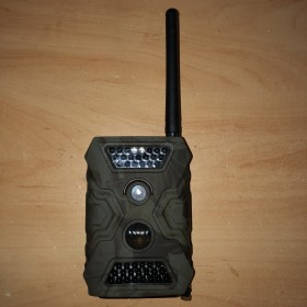 Caméra autonome de présence camouflée pour chasseur avec transmission via MMS et push mails reconditionnée